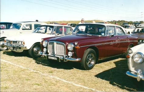 DSC_0001 1969 Rover 3.5 Litre Coupe Eastern Creek 5-8-2001